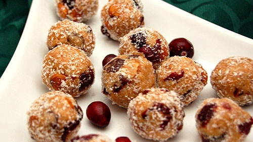 Chai spiced coconut laddoos