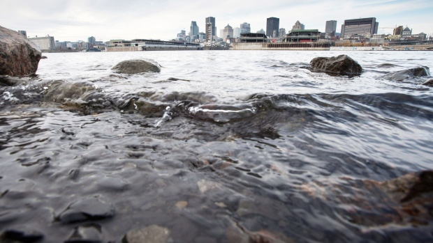 Raw sewage dumped in  St. Lawrence River