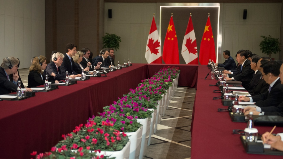 Prime Minister Justin Trudeau and Chinese President Xi Jinping take part in a bi-lateral meeting at the G20 Summit in Antalya, Turkey on Monday, Nov. 16, 2015. (Sean Kilpatrick / THE CANADIAN PRESS)