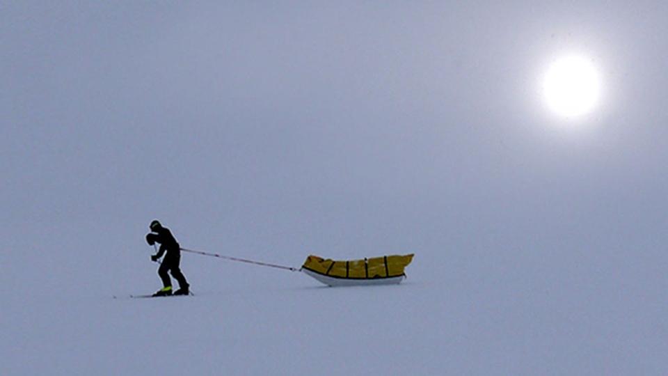 Henry Worsley walks across the Antarctic landmass (Facebook/Shackleton Solo)