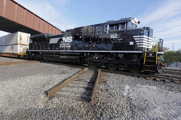 Tax cuts boost Norfolk Southern's fourth-quarter profit ...