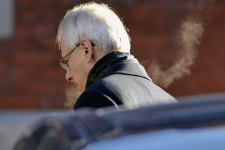 Liberal Leader Stephane Dion arrives at his home in Montreal Monday, Dec., 8, 2008 after releasing a statement saying he would step down as leader. (Graham Hughes / THE CANADIAN PRESS)