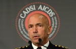 RCMP Commissioner Bob Paulson delivers a speech at a security conference put on by the Canadian Association of Defence and Security Industries (CADSI) in Ottawa on Nov. 25, 2015.(Sean Kilpatrick / The Canadian Press)