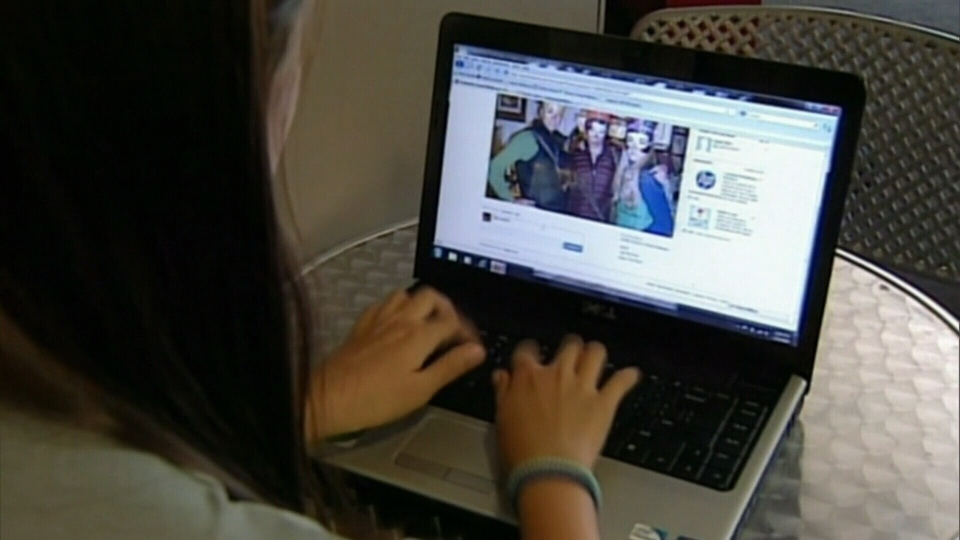 Researchers looked at more than 1,100 college-age Facebook users, and found links to depression, anxiety, and narcissistic behaviour. (CTV News).