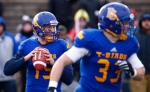 UBC Thunderbirds Michael O'Connor looks down the field against the Montreal Carabins during first half football action at the Vanier Cup Saturday, November 28, 2015 in Quebec City. (Mathieu Belanger / THE CANADIAN PRESS)