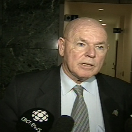 Ottawa Mayor Larry O'Brien talks to reporters about negotiations with the city's transit union, Monday, Dec. 8, 2008.