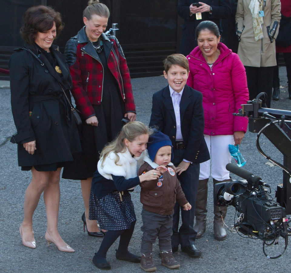Justin Trudeau's children Xavier, Ella-Grace and Hadrien (right to left) are shown with one of their caregivers (far right), at Rideau Hall in Ottawa, on Nov. 4, 2015. (Fred Chartrand / THE CANADIAN PRESS)