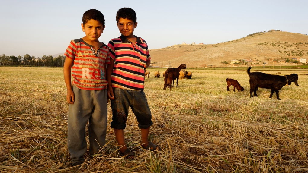 Boys in refugee camp (Hany al Moulia)