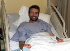 Oliver Edwards recovers in hospital in Iqaluit, Nunavut, Tuesday, Dec. 9, 2008. (Sara Minogue / THE CANADIAN PRESS)