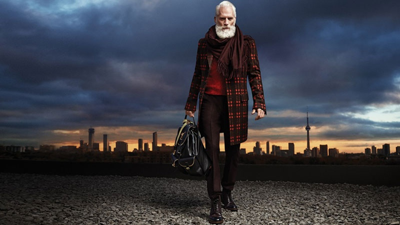 'Fashion Santa' poses in a photo from Yorkdale Shopping Centre.