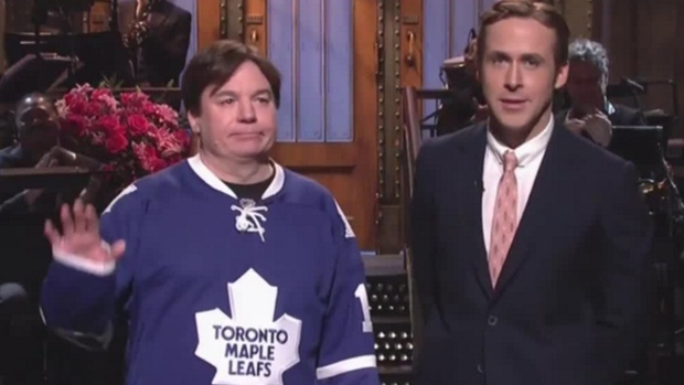 79f7fe9aa Mike Myers, Ryan Gosling bring Canadian Christmas to 'SNL ...