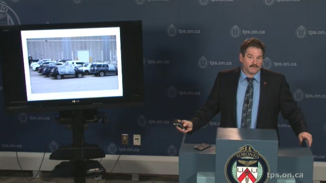 Staff Insp. Mike Earl speaks at Toronto Police Service headquarters on Friday, Dec. 11, 2015.