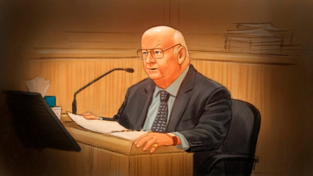 In this artist's sketch, Sen. Mike Duffy, a former member of the Conservative caucus, testifies at his trial in Ottawa, Tuesday, Dec. 15, 2015. (Greg Banning / THE CANADIAN PRESS)