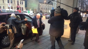 Mike Duffy arrives at court in Ottawa on Dec. 17, 2015. (CTV / Katie Simpson)