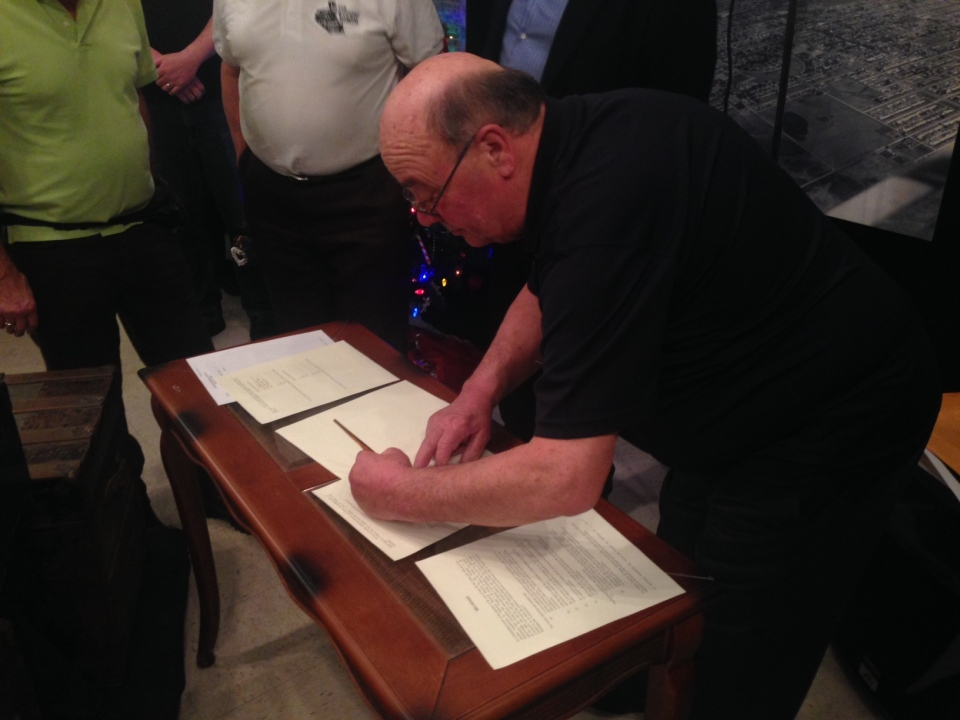 Thursday evening, the Midwestern Rail Association signed No. 2747 over to the Transcona Historical Museum.