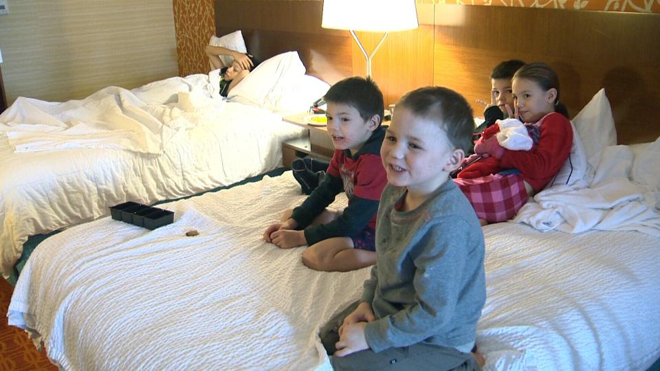 Single Mom 6 Kids Homeless After Winnipeg House Fire