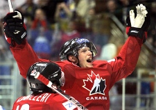 Eric Staal of Canada celebrates his goal with teammate Mike Cammalleri during the World Ice Hockey championship final match against Finland in Moscow, Sunday, May 13, 2007. (AP / Dmitry Lovetsky)