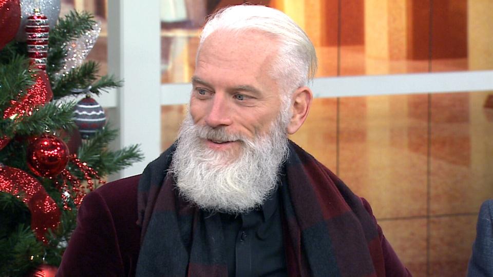 Has Fashion Santa Got More Selfie Game Than Justin