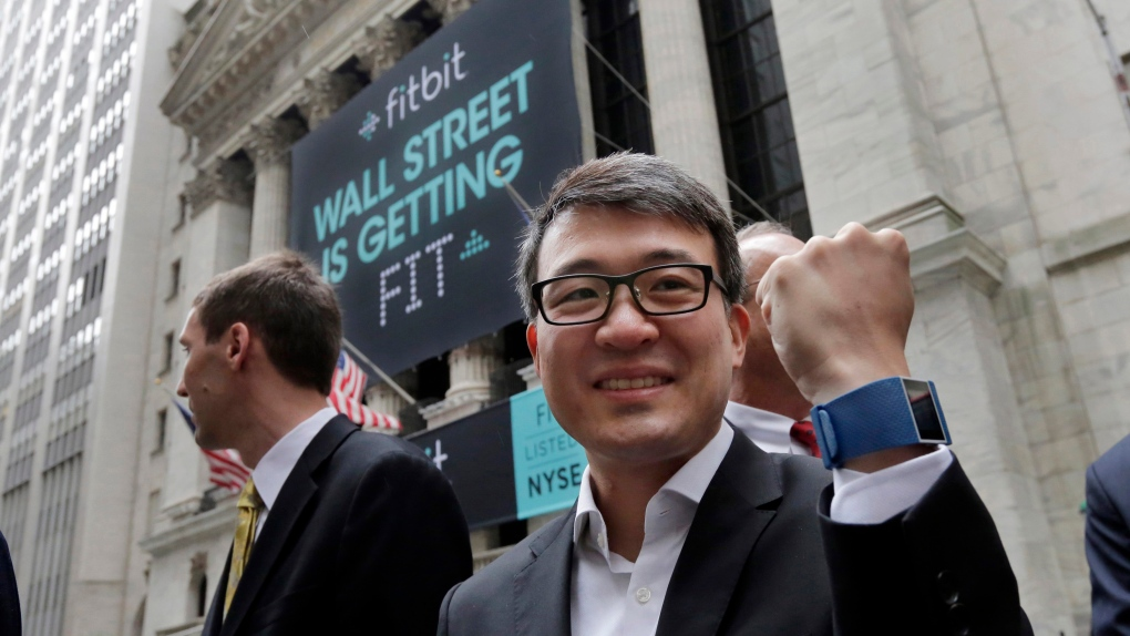 Fitbit shares rise on Christmas sales