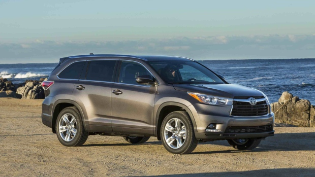 toyota highlander offers choices for price fuel economy. Black Bedroom Furniture Sets. Home Design Ideas