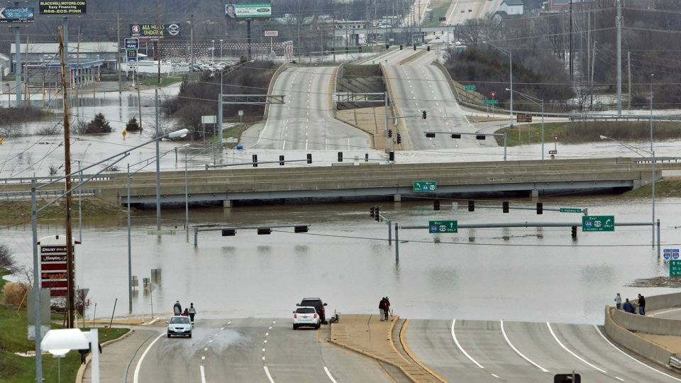 Floodwater from the Meramec River surround the bridge deck of I-44 and Highway 141 in southwest St. Louis County, Wednesday, Dec. 30, 2015 (J.B. Forbes / St. Louis Post-Dispatch)