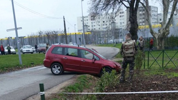 Car rams into mosque in Valence, France