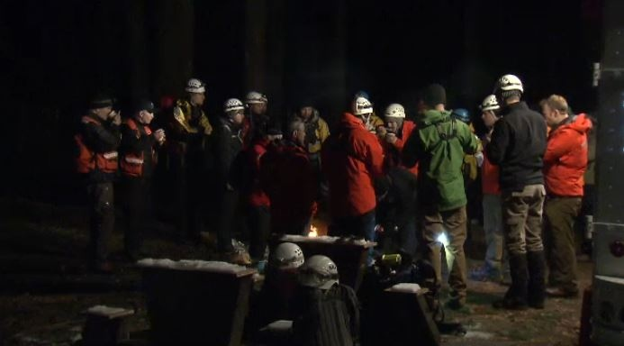 Search crews prepare to head out and look for a missing hiker (CTV).
