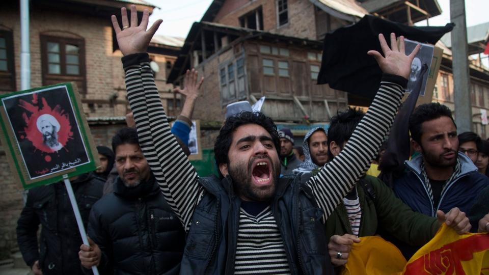 A Kashmiri Shiite Muslim man shouts slogans against the execution of Sheikh Nimr al-Nimr, during a protest in Srinagar, Indian controlled Kashmir, Saturday, Jan. 2, 2016. (AP / Dar Yasin)