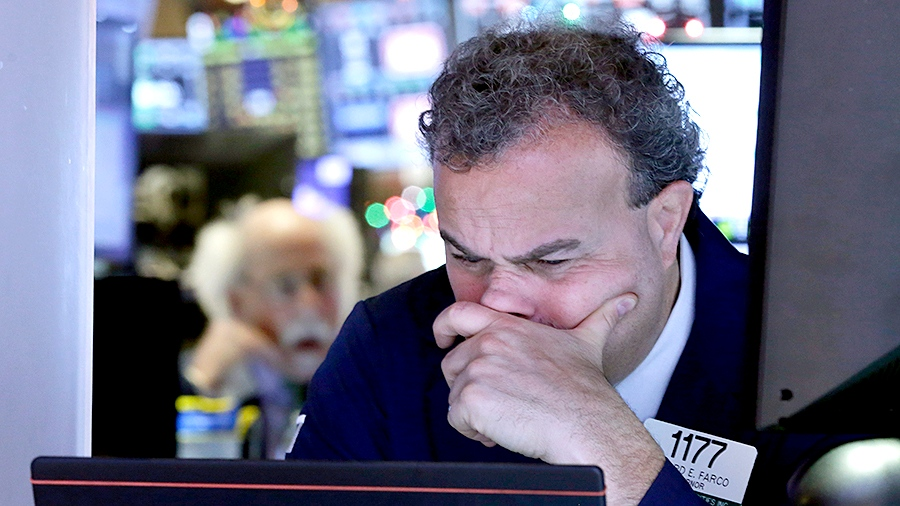 Trader Gerard Farco works on the floor of the New York Stock Exchange, Monday, Jan. 4, 2016. (AP / Richard Drew)