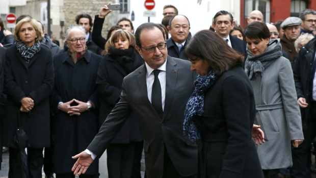 Hollande honours victims of Charlie Hebdo attack