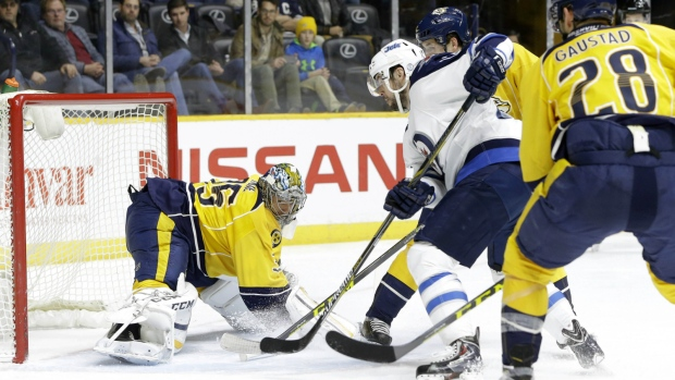 Drew Stafford scores against Nashville Predators