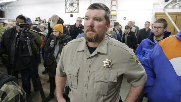 Oregon sheriff tells protesters to leave