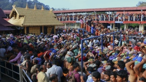 Hindu worshippers queue during a pilgrimage at the Sabarimala temple in the southern Indian state of Kerala on Dec. 1, 2015. (AP / Hareesh Kumar A S)