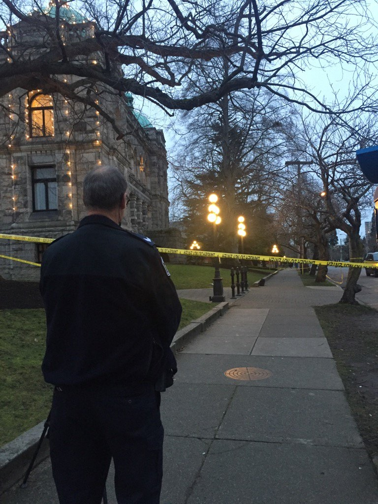 A suspicious black bag is seen just outside the B.C. Legislature as police investigate Fri., Jan. 15, 2016. (CTV Vancouver/@BhinderSajan)