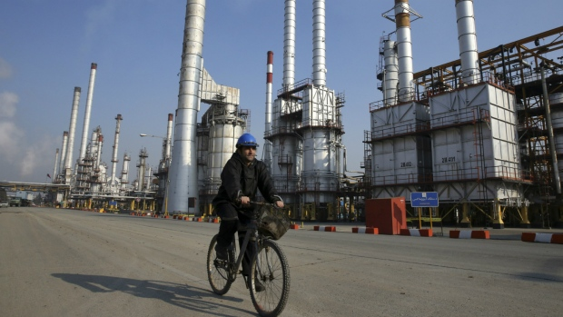 Iran to boost oil output by 500000 barrels