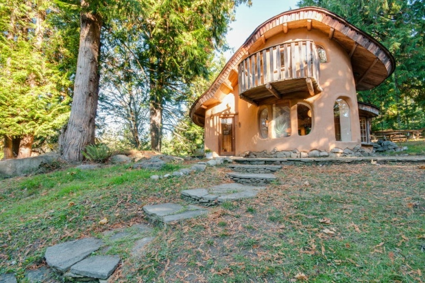 A unique cottage on Mayne Island has been named one of the most desired travel listings in the world on the rental website Airbnb.com. Jan. 18, 2016 (Courtesy Airbnb)
