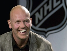 Toronto Maple Leafs captain Mats Sundin smiles after being presented with the Mark Messier Leadership Award at a luncheon during Stanley Cup festivities in Pittsburgh, Pa. on Wednesday May 28, 2008. (The Canadian Press/Frank Gunn)