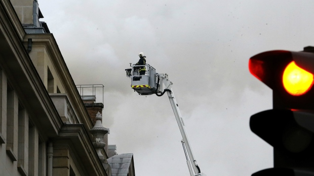 Fire breaks out on roof of Ritz in Paris