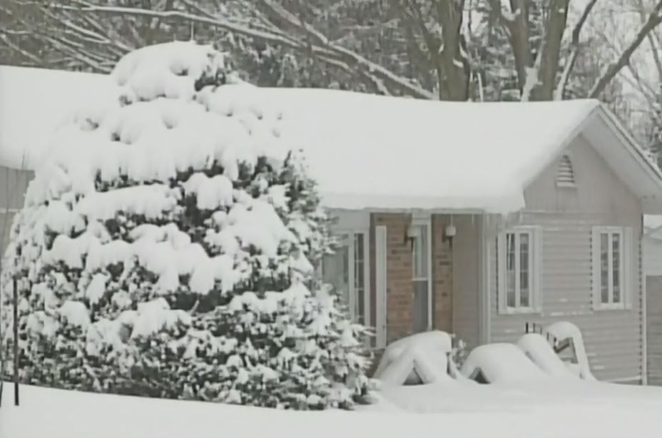 A snow-covered home in Wingham, Ont. on Monday, Jan. 18, 2016. (Scott Miller / CTV London)
