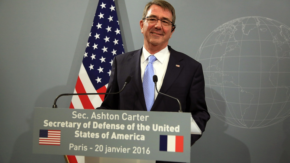 U.S Defense Secretary Ashton Carter addresses media during a press conference, after a meeting at the defense minister residence in Paris, Wednesday, Jan 20, 2016. (AP / Thibault Camus)