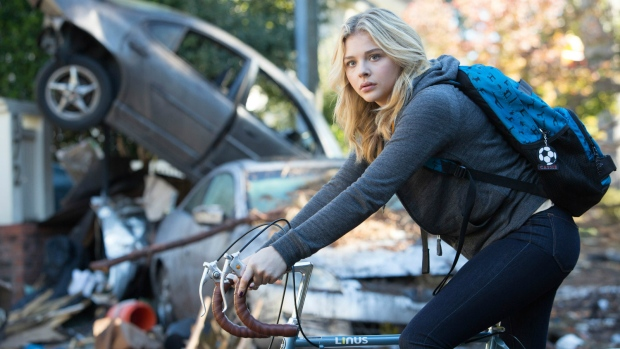 Chloe Grace Moretz as Cassie Sullivan in a scene from the Columbia Pictures release, ' The 5th Wave.' (Chuck Zlotnick / Sony / Columbia Pictures)
