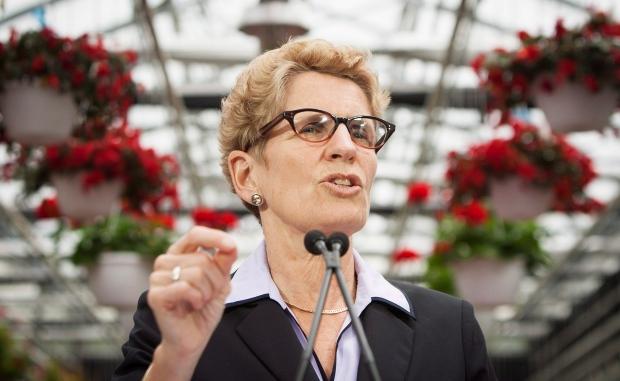 Kathleen Wynne at Niagara College greenhouse
