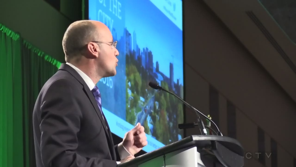 Mayor Matt Brown delivers the State of the City address in London, Ont. on Tuesday, Jan. 26, 2016. (Daryl Newcombe / CTV London)