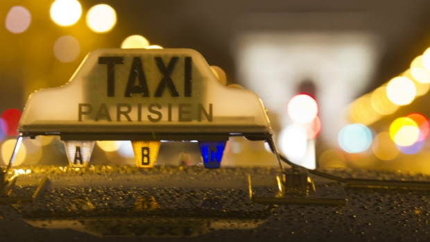French taxis protest over Uber