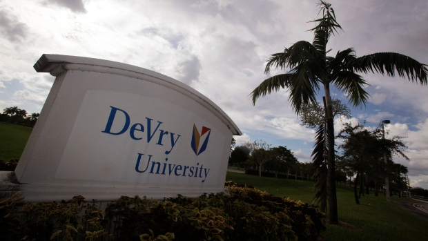 FTC sues DeVry, alleging school deceived students about job prospects