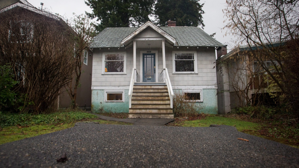 A house built in 1930 that was recently listed for sale for $2.398-million is seen in the Point Grey neighbourhood of Vancouver, B.C., on Friday January 29, 2016. (THE CANADIAN PRESS / Darryl Dyck)