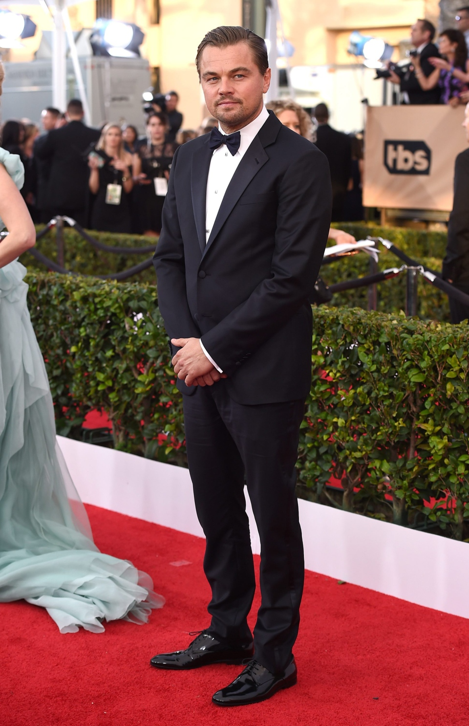 Leonardo DiCaprio arrives at the 22nd annual Screen Actors Guild Awards at the Shrine Auditorium & Expo Hall on Saturday, Jan. 30, 2016, in Los Angeles. (Photo by Jordan Strauss / Invision / AP)