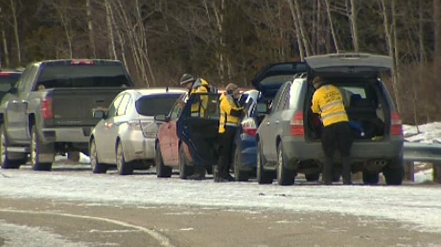Rescuers looking for missing hikers