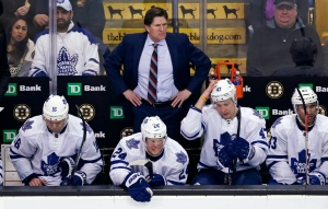 Toronto Maple Leafs coach Mike Babcock watches play during the third period of an NHL hockey game against the Boston Bruins in Boston on Feb. 2, 2016. (Charles Krupa/The Canadian Press)