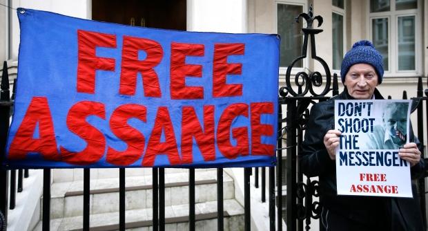Demonstrator for Julian Assange